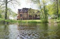 Villa Radekow with 6 luxuriously furnished rooms