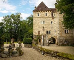 A castle as a holiday home - Object 16375 in Voutenay-sur-Cure