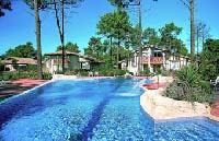 Holiday complex with pool in Aquitaine