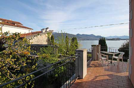 View from the terrace of an apartment for up to 4 people on Isola dei Pescatori.