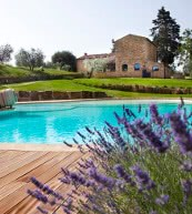 Secluded country house for up to 12 people in Tuscany.